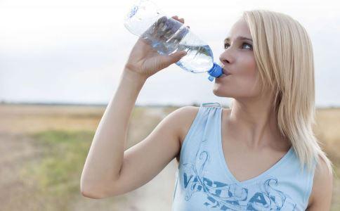中医问诊:从喝水看身体的体质
