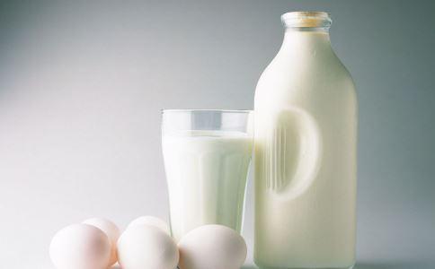 更年期女性如何补钙 更年期女性补钙方法 更年期女性补钙吃什么