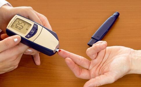 心理压力过大会引发糖尿病 引发糖尿病的原因 如何预防糖尿病