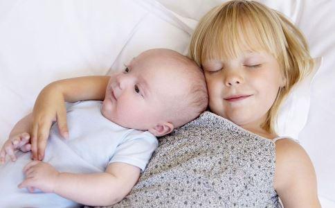 给生二孩家庭奖励 生二孩有奖 生二胎的压力