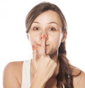 鼻头发红怎么回事 鼻头发红是什么原因 脾胃实热怎么办