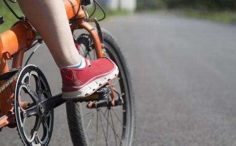 每周骑车半小时少得很多病 骑自行车有哪些好处 骑自行车能预防哪些疾病