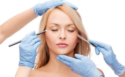 哪些人群不适宜做双眼皮手术 开双眼皮后有哪些效果 割双眼皮要注意什么