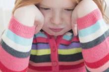 孩子公共场合吼叫 这4招安抚宝宝情绪
