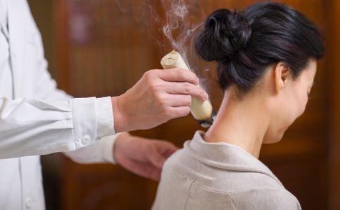 艾灸的作用 艾灸的好处 艾灸要注意什么吗