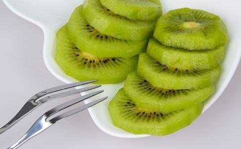 夏天宝宝吃什么水果好 宝宝吃水果注意什么 宝宝吃水果注意事项