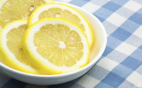 喝柠檬水多久能变白 至少坚持三个月