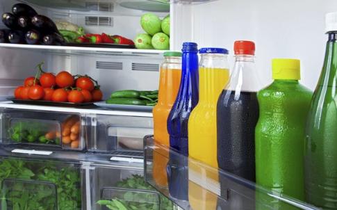 怕垃圾发臭塞冰箱 冰箱里不能放什么食物 冰箱能冻死细菌吗