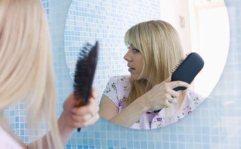 梳头的好处 梳头有哪些功效 梳头的作用