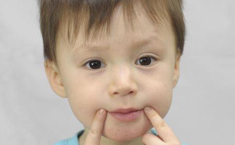 多大的孩子可以贴三伏贴 小儿三伏贴敷有哪些作用 小儿三伏贴敷可治疗哪些疾病