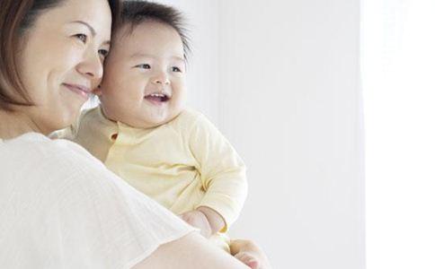 婴儿如何晒太阳 婴儿晒太阳的好处 婴儿晒太阳注意事项