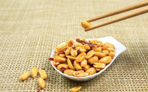 筷子用太久诱发肝癌 筷子用太久的危害 筷子用太久有哪些危害