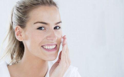 淘米水怎样洗脸 淘米水洗脸的好处 用淘米水洗脸好吗