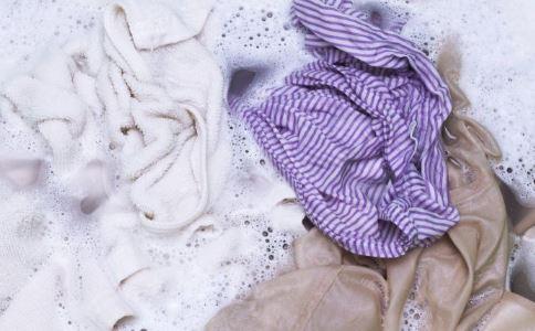 百吨韩国旧衣被截 如何分辨洋垃圾服装 洋垃圾衣服的危害