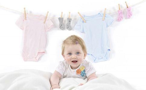 宝宝奶瓶如何清洗 宝宝衣物如何选购 宝宝玩具要清洗吗