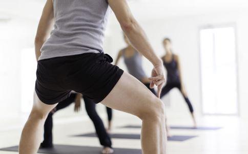 深蹲导致急性肾衰 剧烈运动横纹肌溶解 夏季剧烈运动的危害