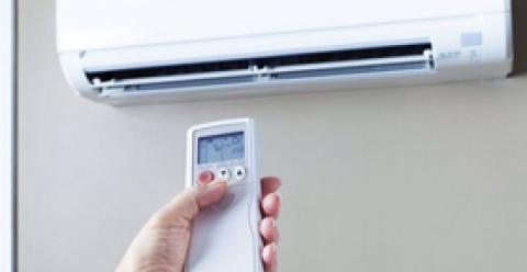 夏季坐月子能吹空调吗 夏季坐月子吹空调注意事项 坐月子能吹空调吗