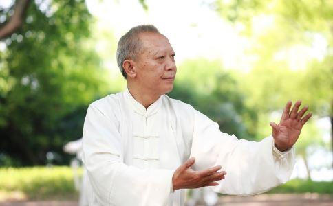 老人吃什么能维持血管健康 老人如何维持血管健康 吃香菇的好处