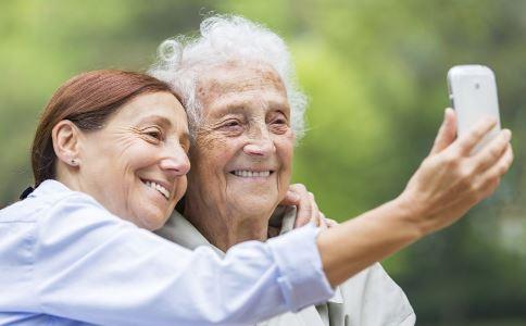 老人不宜使用的生活用品有哪些 哪些生活用品老人不宜用 老人常见的生活用品有哪些