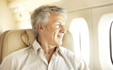 为什么老人牙齿会发酸 老人牙齿发酸的原因 老人怎么保护牙齿