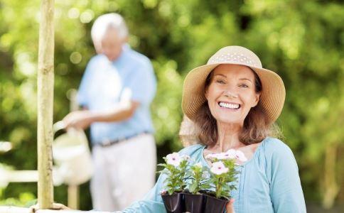 老人消化不良怎么办 老人消化不良如何缓解 哪些食物会引起消化不良
