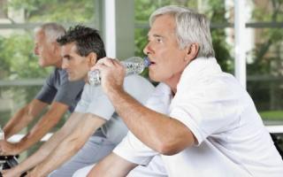 老年颈椎病的简单运动方法_老人健身_老人_99健康网