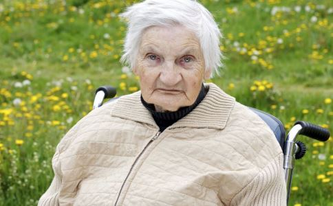 老年人 老人饮奶 误区 豆浆 牛奶 营养 补钙