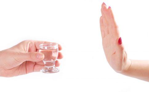 白酒隐藏功能 白酒的妙用 白酒的用途