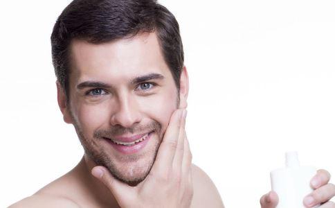 男性更年期保健在6点钟时更年期症状增加。
