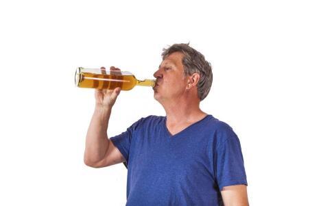 中年男性的性能力下降。你能吃什么来改善它?