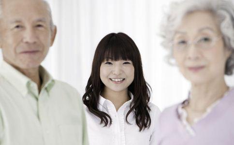 女性更年期情绪波动及时减轻心理负担