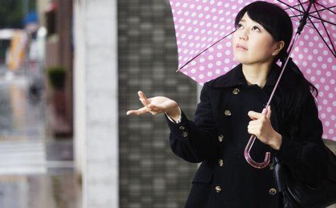 女性穿错内衣导致乳腺癌时最常见的错误是什么