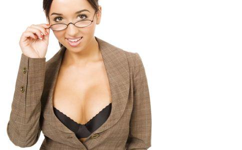 当两种内衣损害女性健康时,如何选择内衣