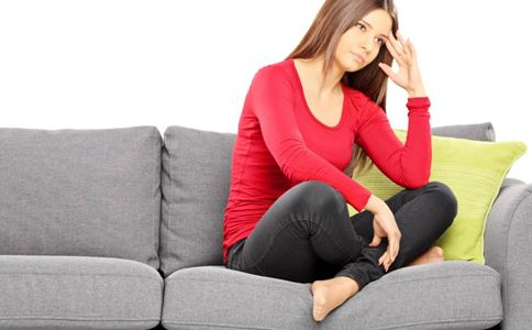 经期常见症状 月经期饮食 腹痛吃什么 胸部不适
