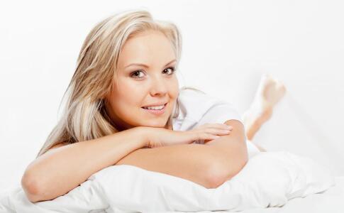 经常梳头防脱发吗 什么材质的梳子好 防脱发注意事项