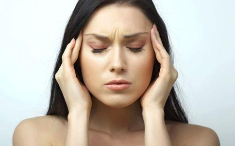 """七种清洗方法使头发越来越""""受伤"""""""