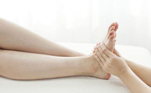 日常预防肾虚小窍门 多搓搓脚心就可以