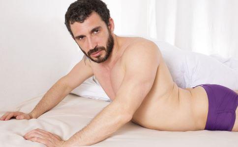 男性腰痛的原因 男性腰痛怎么办 腰痛怎么回事