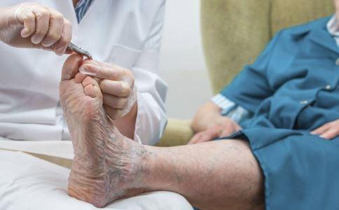 修脚师享特殊津贴 脚部护理怎么做 脚部护理注意事项