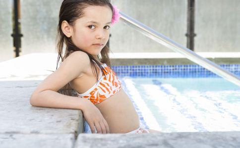 儿童运动的好处 儿童游泳的好处 儿童几岁学游泳比较好