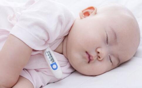 宝宝发热测哪个部位体温 宝宝发热多少度要吃药 宝宝发热什么情况要送医