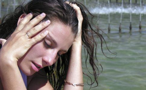 乳腺增生患者吃什么食物好 乳腺增生的病因是什么 乳腺增生有哪些症状