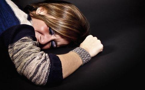 女性卵巢早衰有哪些表现 卵巢早衰如何鉴定 卵巢早衰怎么避免