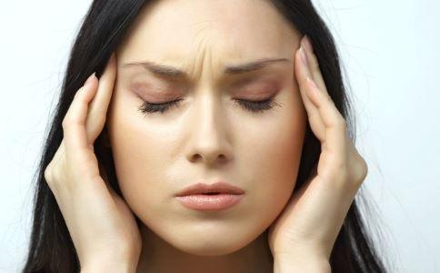 女性经期头痛怎么办 经期头痛怎么缓解 经期头痛吃什么好