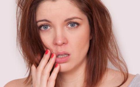女性阴虱图片 女性阴虱的症状
