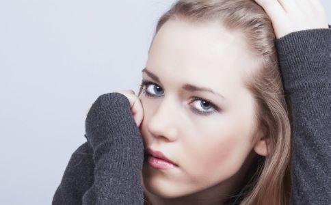 外阴肿痛是什么原因 外阴肿痛怎么治疗 外阴肿痛要注意什么