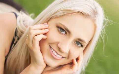 私处哪些变化说明身体患病 女人如何护理私处毛发 阴毛变白是怎么回事