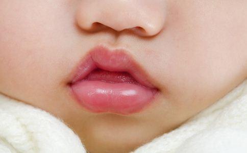 宝宝贫血的危害 宝宝贫血怎么办 宝宝唇色发白是贫血吗