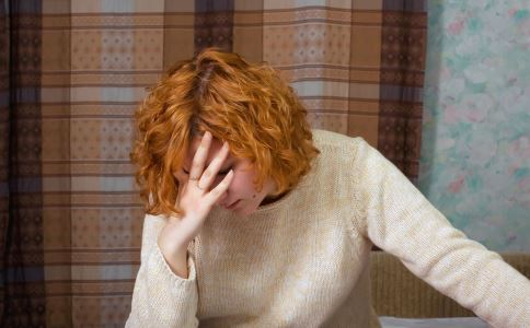 因带娃分居致抑郁 如何远离抑郁症 导致抑郁症的原因