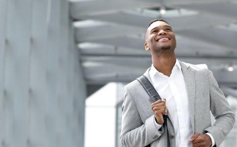 男人穿紧身裤好吗 男人穿紧身裤会影响性能力吗 如何提高性能力